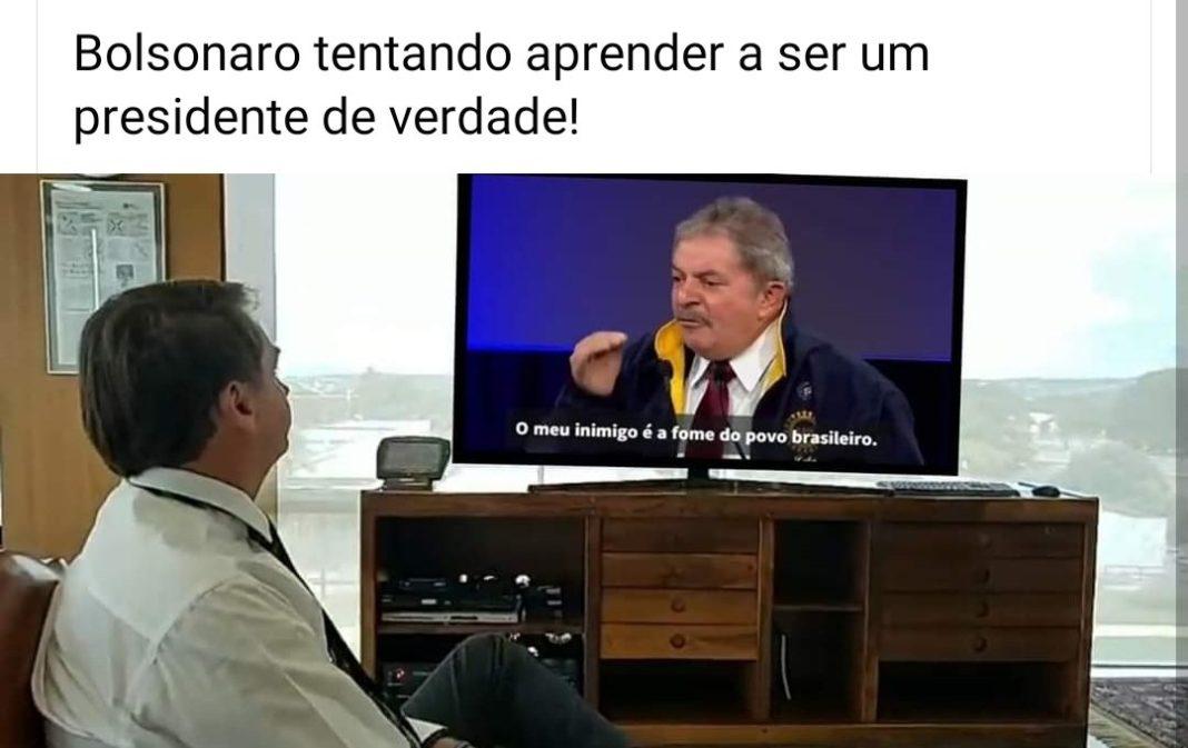 Internet vai a loucura com memes de Bolsonaro assistindo ao discurso de  Trump | Bastidor Político